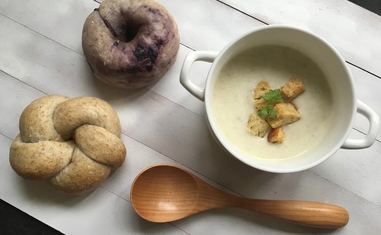 ブルーベリー酵母!お花&ベリーベーグル、豆乳ビシソワーズ自家製クルトン