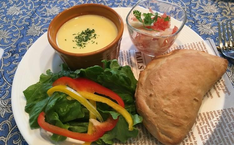 低糖質☆米粉でさっくりカルツォーネ~帆立のセビーチェ&コーンスープ~