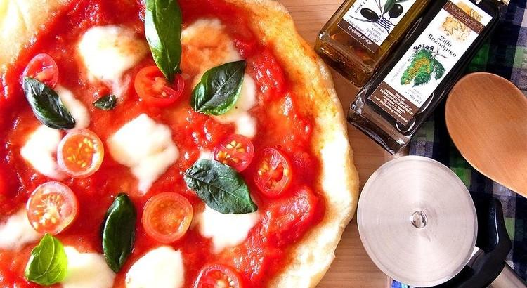 フライパンで簡単!ピッツァマルゲリータ