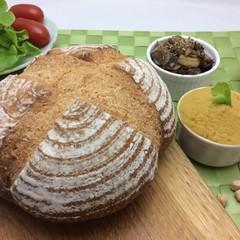 【天然酵母】全粒粉カンパーニュで「フムスのサンドイッチ」