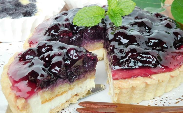 【ブルーベリーたっぷり】レアチーズタルトとアーモンドケーキ♪