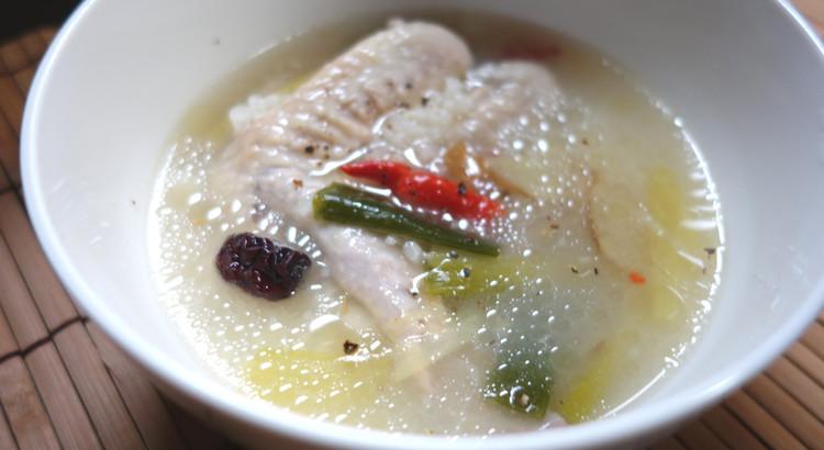 【手羽先サムゲタン風スープ】カラダの芯までポカポカ♪