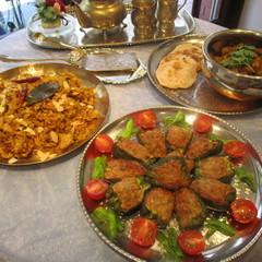 インド料理定番チキンビリヤニとポテトのドライカレー!ピーマン肉詰めも!