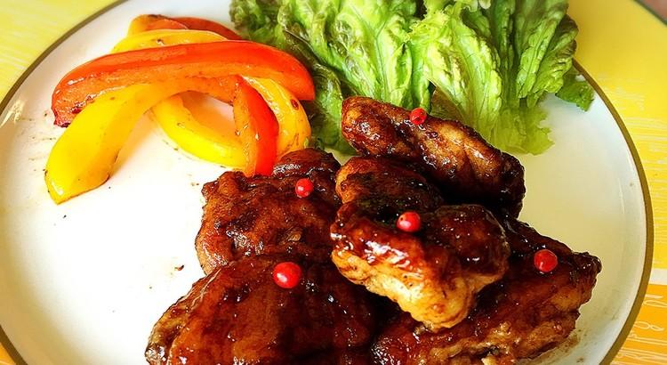 鶏とパプリカのバルサミコソテー