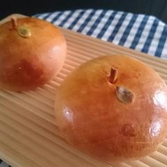 りんごがザクザク、たっぷりクリームパン☆