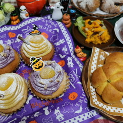 ハロウィンに「2種類のハロウィンモンブラン」と「かぼちゃパン」