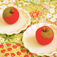 絵本から飛び出した りんご