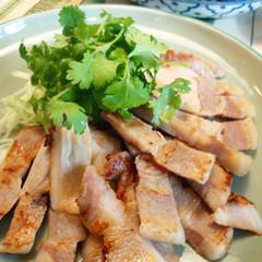 タイ料理をよく知っている人に人気の隠れメニュー!? 豚トログリル他3品