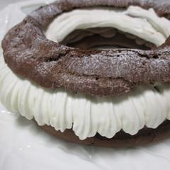 糖質制限でパリブレスト!チョコレート風味の生地とクリームが◎
