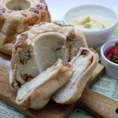 栗たっぷりクグロフ型で焼くマロンクリームパン【野生・白神こだま酵母】
