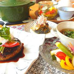 お野菜たっぷり!!昆布出汁を美味しく活用!ジューシーハンバーグ定食