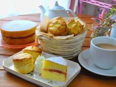 料理レッスン写真 - 紅茶に合う英国スタイルの焼き菓子~ヴィクトリアケーキとスコーン~