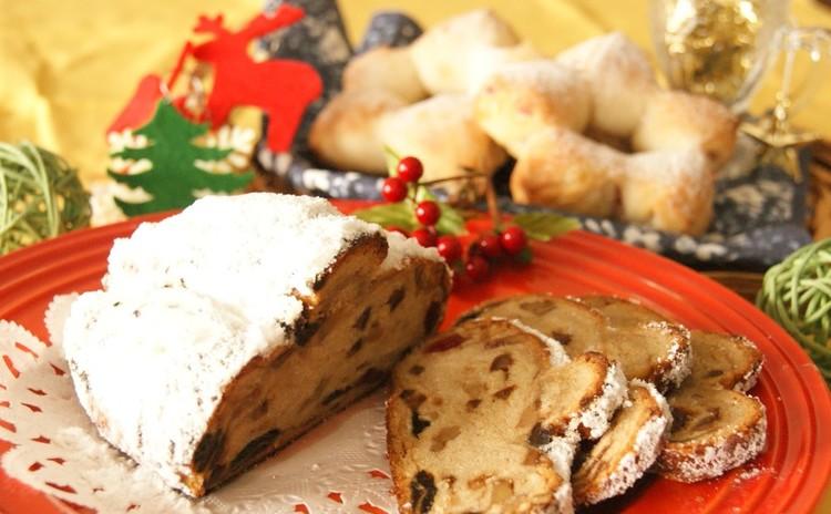 ☆メリークリスマス☆ホシノ天然酵母のシュトーレンといちご味の星形パン
