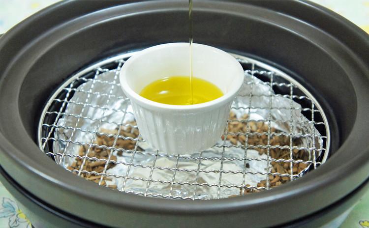 【燻製実習!】『燻製ミニハンバーガー2種』と『燻製オリーブオイル』