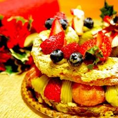 【フランス菓子】☆リースの形のピスタチオとベリーのXmasケーキ☆