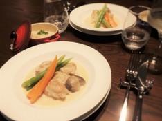 料理レッスン写真 - クリスマスにも!フランス家庭料理、鶏肉のフリカッセとガトーショコラ