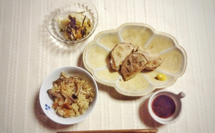 秋の食材 きのこの炊き込みご飯とれんこんのはさみ揚げ