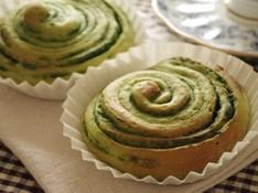 料理レッスン写真 - 芸術の秋!手作り抹茶シートで「緑の切り株」渦巻きパン♪