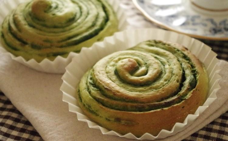 芸術の秋!手作り抹茶シートで「緑の切り株」渦巻きパン♪
