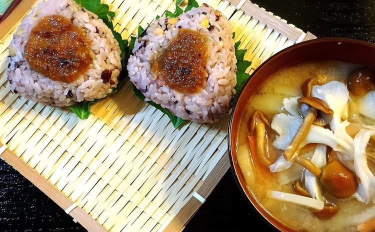 素材にこだわった手作り味噌!麦、米の合わせ味噌は11・12月の限定