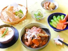 料理レッスン写真 - 【居酒屋直伝】ガチで旨いモツ煮込み!あの味をご家庭で/他定番つまみ5種