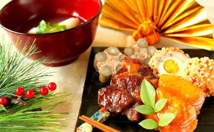 海老あられ揚げ&魚の黄金焼&梅ごぼう&豚肉中華風煮込み&松蓮根&お雑煮
