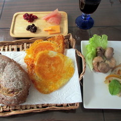 ワインが美味しい!初穂のチーズパン2種・前菜3種・ノンアルワイン付き
