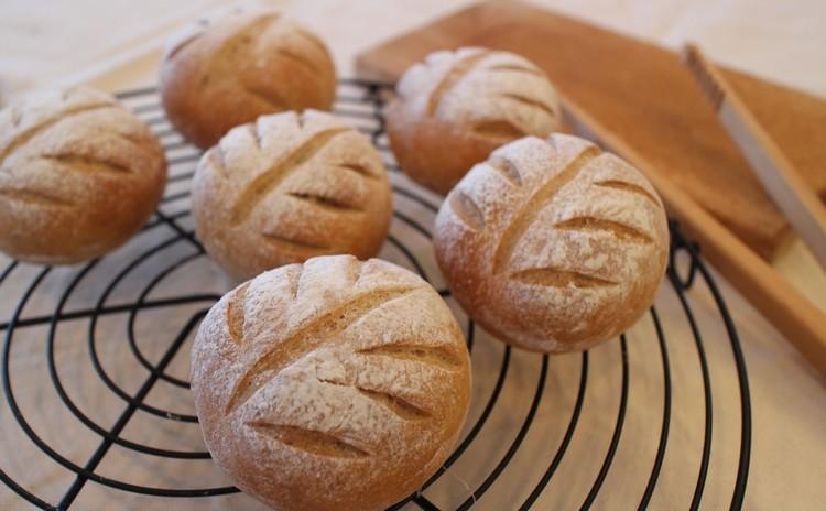 全粒粉入りフィグandナッツのクープパン