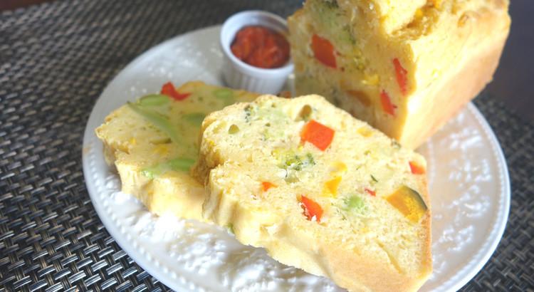 【ベジカラーケークサレ~トマトソース添え】食事のカラフルケーキ