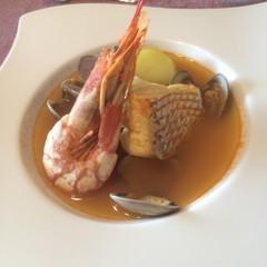 熱々『ブイヤベース』と新年の楽しいお菓子『南仏風ガレット・デ・ロワ』