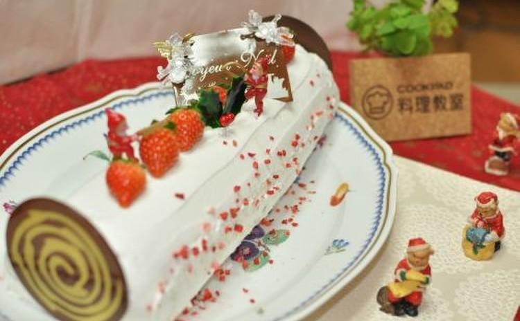 クリスマスには安心ミルキーロールケーキ