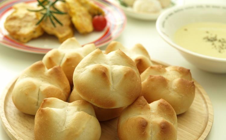 簡単手ごねパン♪さつま芋ポタージュ&チキンピカタ&ポルポローネ