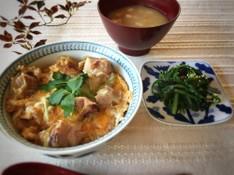 料理レッスン写真 - とろり卵の親子丼/いりこ出汁から作る豆腐の味噌汁/わかめと青菜のナムル