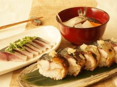 料理レッスン写真 - 1人一尾鯖をさばいてサバ三昧!しめ鯖&焼き鯖寿司&船場汁&お楽しみ一品