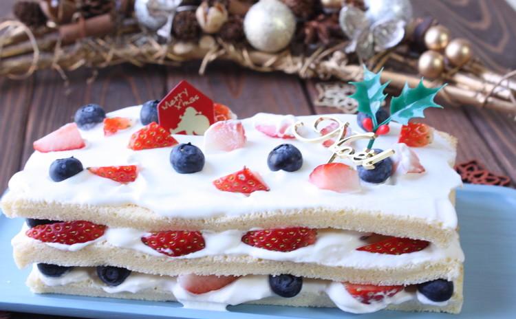 スポンジ生地で作るおしゃれなクリスマスデコレーションケーキ