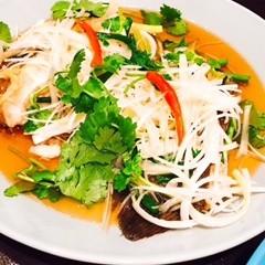 旬の魚のタイ醤油蒸し&豚挽肉のブラックオリーブ炒め&胡麻あん白玉団子