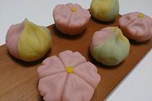 料理レッスン写真 - おうちでお花見しませんか?【和菓子】「練り切り~桜&春の山~」を作ろう