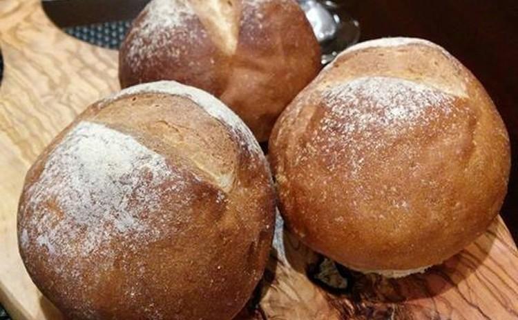 カリッともち麦パン
