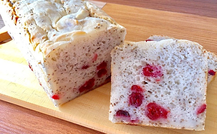 グルテンフリー♪米粉で作る、ほんのり甘いベリーパンと、桜マフィン