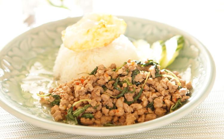 豚肉のガパオ炒めご飯