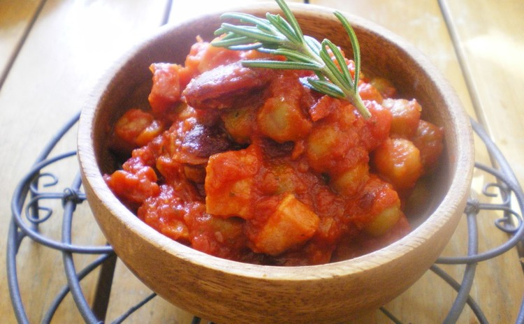 簡単時短!豆とベーコンのトマト煮