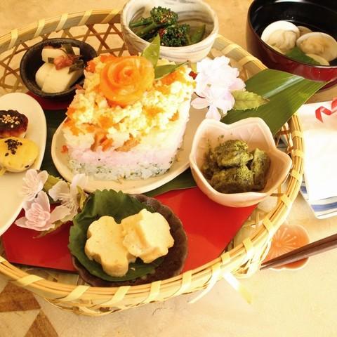 雛祭りの花籠膳