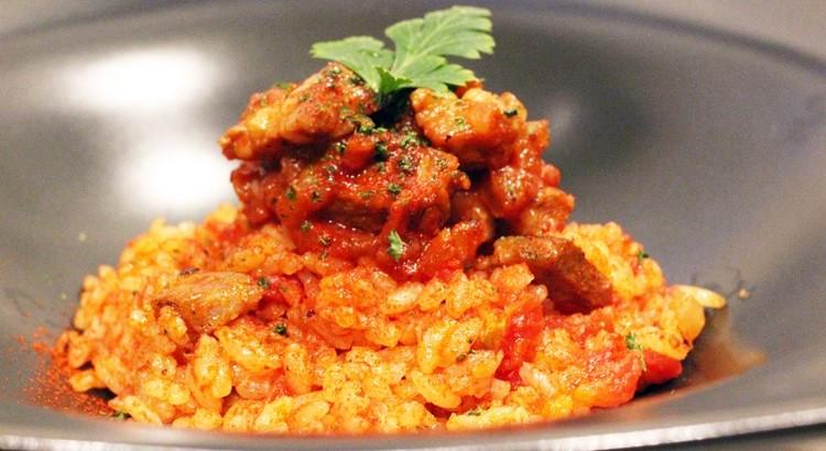 ジョロフライス~トマトと肉のスパイス炊き込みご飯