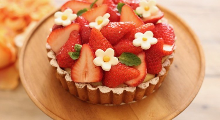 イチゴのタルト!甘酸っぱい苺とカスタードクリームの春の定番のお菓子です
