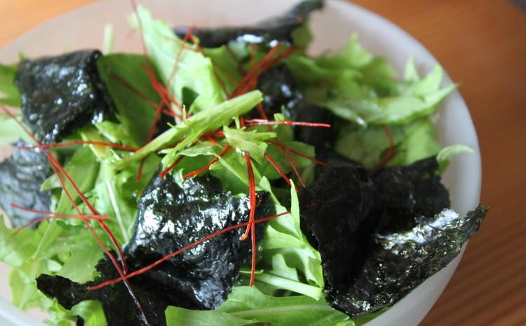 野菜をたっぷり!水菜とルッコラの海苔サラダ