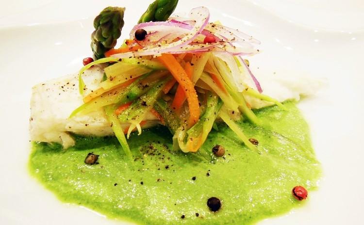 鯛の香り野菜ヴァプール 春の野菜のソース