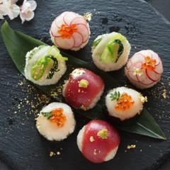 手まり寿司と桜もちの和食おもてなし料理
