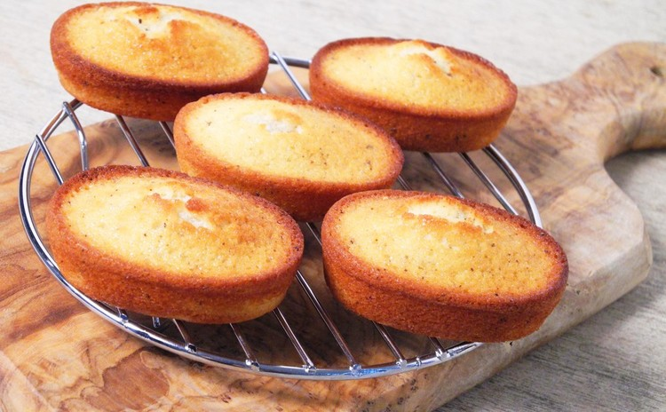 みんな大好き♡「バナナのタルト」&焼き菓子の定番「フィナンシェ」