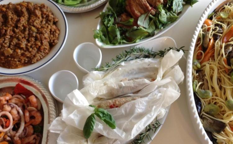 ラッピングウィンナー♪ 豚挽き肉にチーズとハーブスパイス!簡単蒸し焼き♪