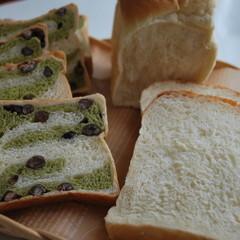 ≪ランチ付≫新緑の抹茶ブレッド&王道の食パン